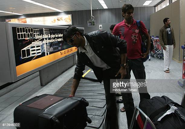 Cricket IPL2 Sreesanth Munaf Patel and Zaheer Khan at Cape Town airport after arriving from India for Indian Premier League