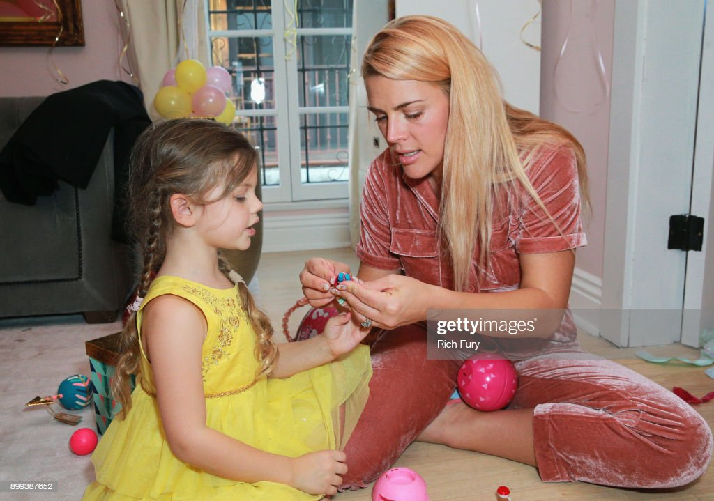 Cricket Pearl Silverstein And Busy Philipps Attend L O L