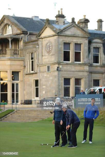 Cricket players Shane Warne Kevin Pietersen Michael Vaughn and Allan Lamb and TV personality Piers Morgan play the Hickory challenge on the 18th...