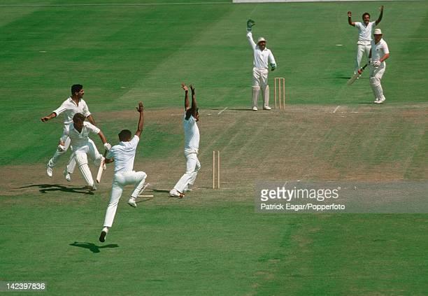 Cricket World Cup 1983 semifinal England v India at Old Trafford Allan Lamb run out E835370