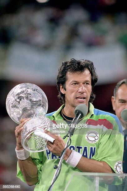 Final England v Pakistan at Melbourne Pakistan won by 22 runs Pakistan 2496 England 227 Imran Kahn with the trophy March 1992