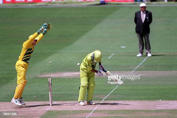 Cricket World Cup Final, Lords, 20th June Australia beat Pakistan by 8 wickets, Australian wicket keeper Adam Gilchrist celebrates as Shane Warne...
