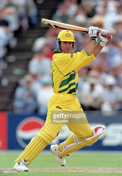 Cricket World Cup Headingley 13th June Australia beat South Africa by 5 wickets Australia's Ricky Ponting batting