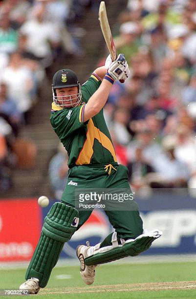 Cricket World Cup Headingley 13th June Australia beat South Africa by 5 wickets South Africa's Darryl Cullinan batting