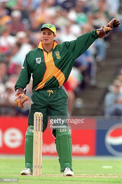 Cricket World Cup Headingley 13th June Australia beat South Africa by 5 wickets South Africa's wicket keeper Mark Boucher shouting instructions