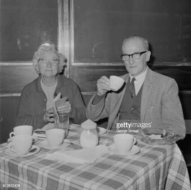 Cricketer Harold Larwood with his wife Lois Bird, UK, 5th July 1968.