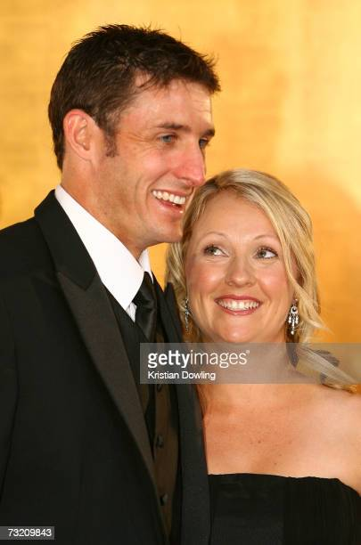 Cricketer Michael Hussey and his wife Amy Hussey arrive at the 2007 Allan Border Medal awards ceremony at Crown Casino on February 5 2007 in...