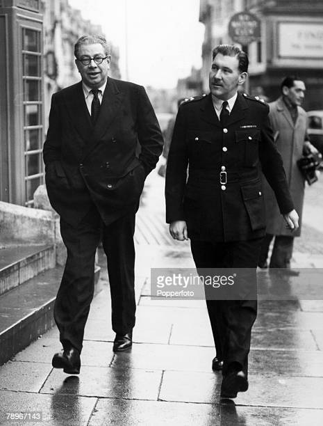 Crime, England Eastbourne Murder Case, Police Commander George Hatherill, head of the C,I,D, Unit at Scotland Yard arrives with Inspector Rutland at...