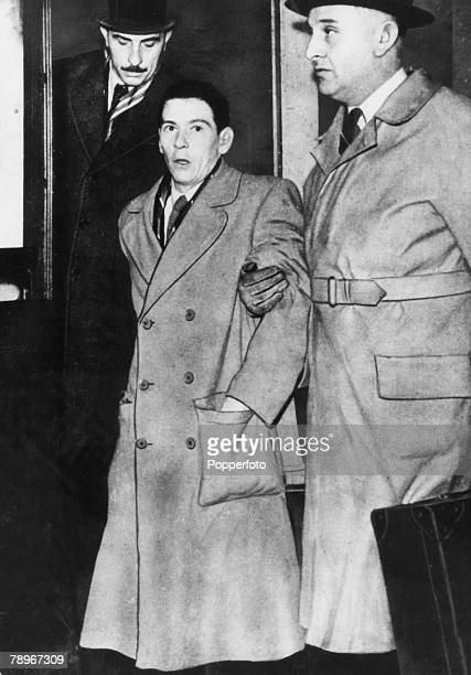 Crime London England Circa 1950 The Christie Murder case Timothy Evans seen here under guard of the police was convicted and later hanged for the...