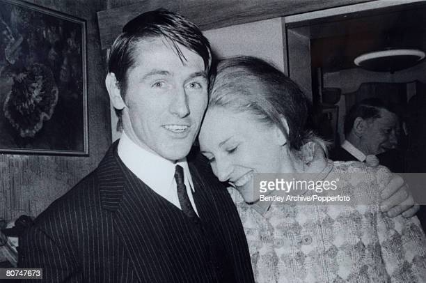 Crime London England Circa 1969 The Kray Twins Night Club owner Anthony Thomas Barry with his wife Jean celebrate after being found not guilty of...