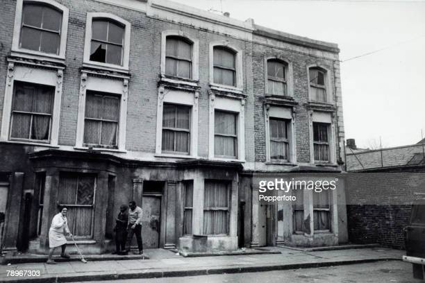 Crime London England The Christie Murder case Front view of Rillington Place Notting Hill Number 10 far right was home to John Reginald Halliday...