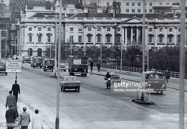 Crime London England The Kray Twins Police cars escort a Black Maria van carrying Ronnie and Reggie Kray back to Brixton jail to be held on remand...