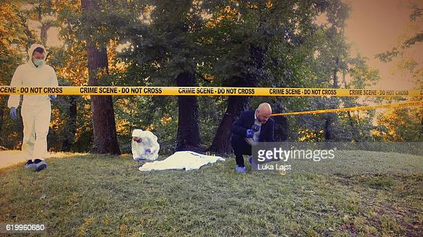 crime scene investigation - dead female bodies stock pictures, royalty-free photos & images
