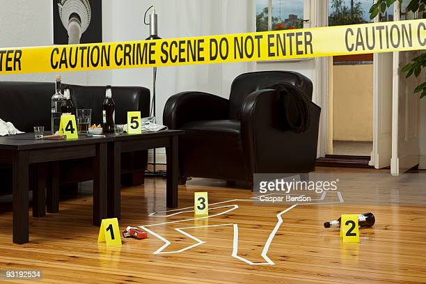 crime scene - cadavre photos et images de collection