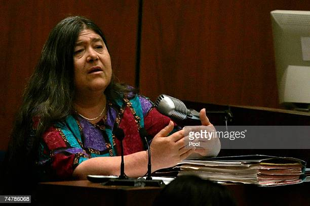 Criminalist specializing in trace evidence analysis Lynne Herold of the Los Angeles County Sheriff's Department testifies during the murder trial of...