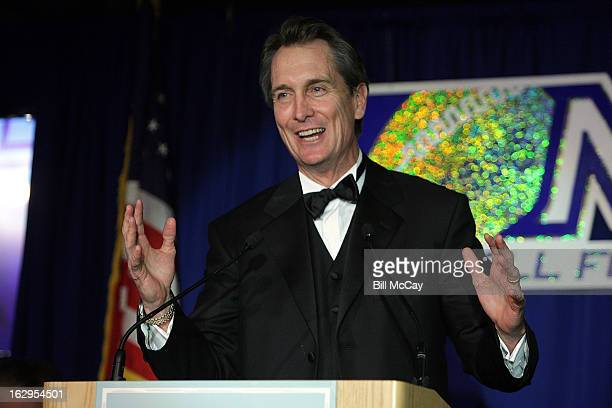 Cris Collinsworth winner of the Harrah's Broadcaster Award for Sports Broadcaster of the Year attends the 76th Annual Maxwell Football Club Awards...
