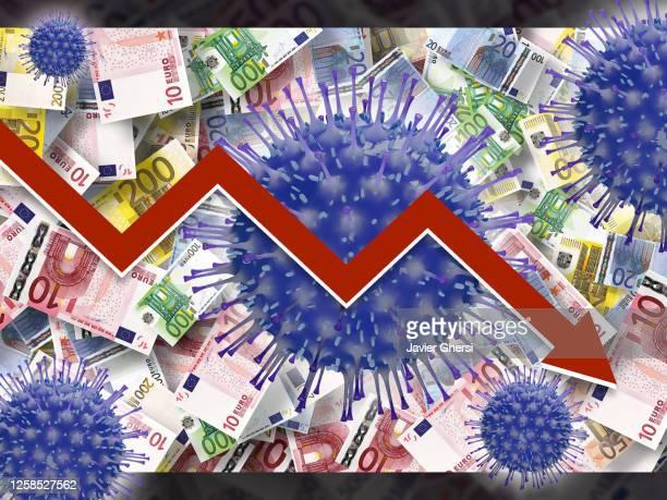 crisis económica por coronavirus: gráfico descendente con fondo de dinero (euros) - economy stock pictures, royalty-free photos & images