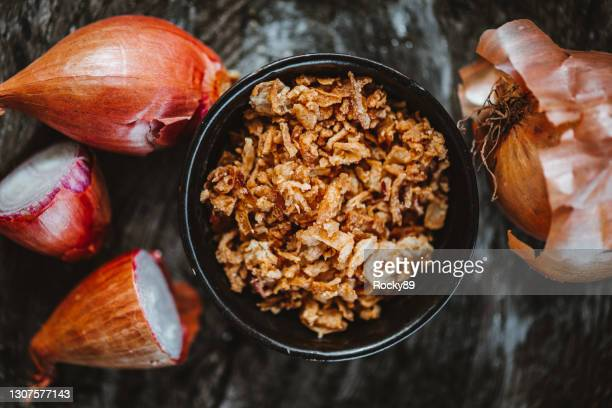 crispy fried onion bits - crunchy stock pictures, royalty-free photos & images