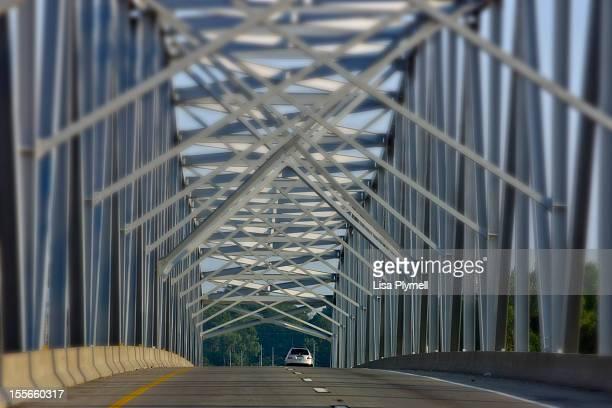criss cross bridge - kansas city missouri fotografías e imágenes de stock