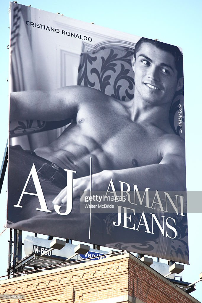 USA - Cristano Ronaldo AX Armani Jeans Billboard in New York City : News Photo