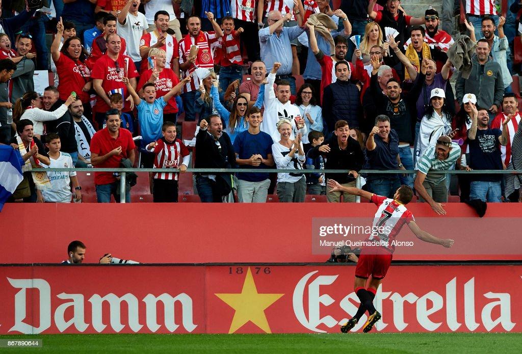 Cristhian Stuani of Girona celebrates scoring his team's first goal during the La Liga match between Girona and Real Madrid at Municipal de Montilivi Stadium on October 29, 2017 in Girona, Spain.