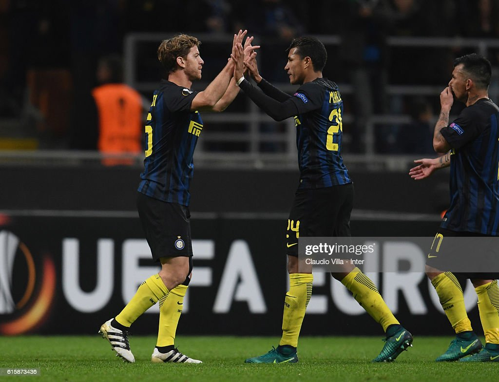 ¿Cuánto mide Jeison Murillo? - Real height - Página 2 Cristian-ansaldi-and-jeison-murillo-of-fc-internazionale-celebrate-at-picture-id615873436