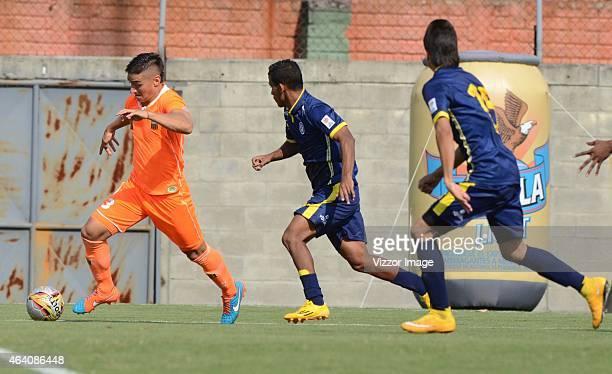 Cristian Arango of Envigado FC runs with the ball during a match between Envigado and Uniautonoma as part of Liga Aguila I 2015 at Polideportivo Sur...