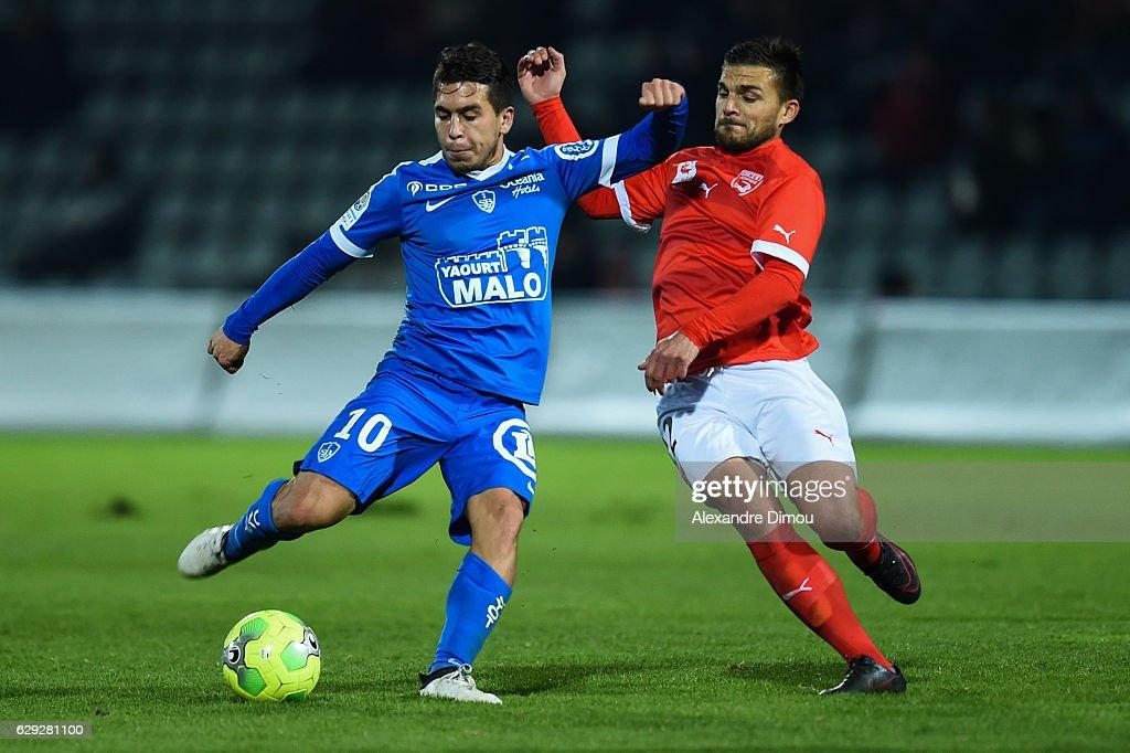 Nimes Olympique v Stade Brestois - French Ligue 2 : Nachrichtenfoto