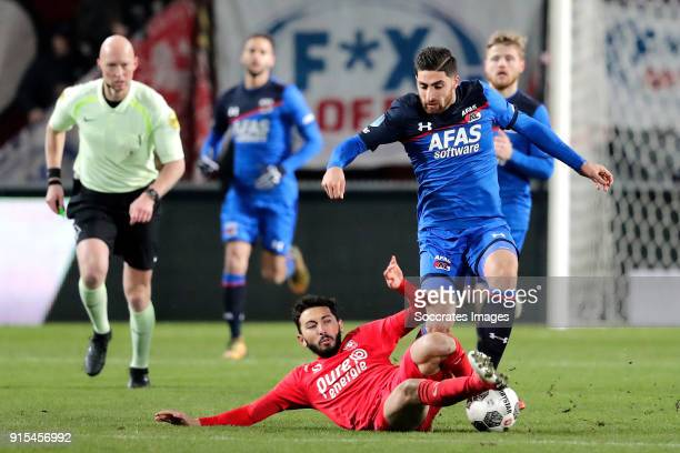 Cristian Cuevas of FC Twente Alireza Jahanbakhsh of AZ Alkmaar during the Dutch Eredivisie match between Fc Twente v AZ Alkmaar at the De Grolsch...