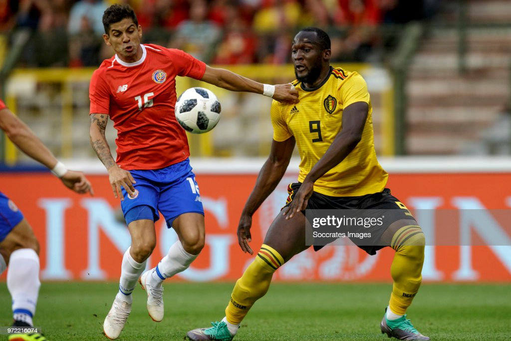 Cristian Gamboa of Costa Rica , Romelu Lukaku of Belgium during the International Friendly match between Belgium v Costa Rica at the Koning Boudewijnstadion on June 11, 2018 in Brussel Belgium