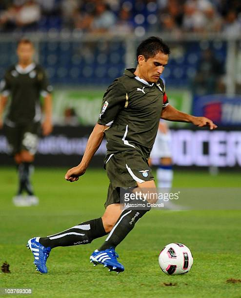 Cristian Ledesma of SS Lazio in action during the Serie A match between UC Sampdoria and SS Lazio at Stadio Luigi Ferraris on August 29 2010 in Genoa...