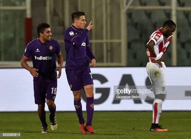 Cristian Tello of ACF Fiorentina celebrates after scoring goal 11 during the Serie A match between Pescara Calcio and ACF Fiorentina at Adriatico...