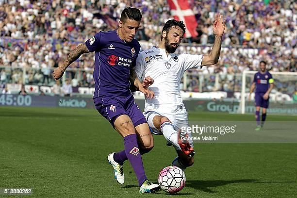 Cristian Tello of ACF Fiorentina in action during the Serie A match between ACF Fiorentina and UC Sampdoria at Artemio Franchi on April 3 2016 in...