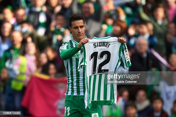 Cristian Tello of Real Betis Balompie celebrates after scoring during the La Liga match between Real Betis Balompie and Girona FC at Estadio Benito...