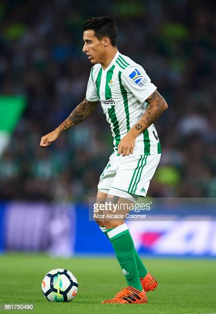 Cristian Tello of Real Betis Balompie in action during the La Liga match between Real Betis and Valencia at Estadio Benito Villamarin on Octob
