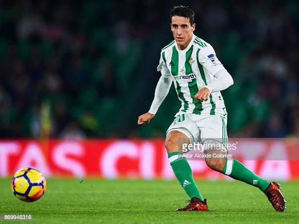 Cristian Tello of Real Betis Balompie in action during the La Liga match between Real Betis and Getafe at Estadio Benito Villamarin on November 3...