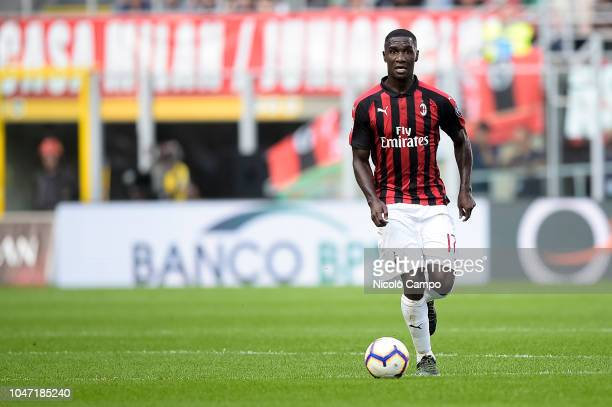 Cristian Zapata of AC Milan in action during the Serie A football match between AC Milan and AC ChievoVerona AC Milan won 31 over AC ChievoVerona