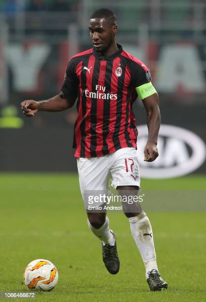 Cristian Zapata of AC Milan in action during the UEFA Europa League Group F match between AC Milan and F91 Dudelange at Stadio Giuseppe Meazza on...