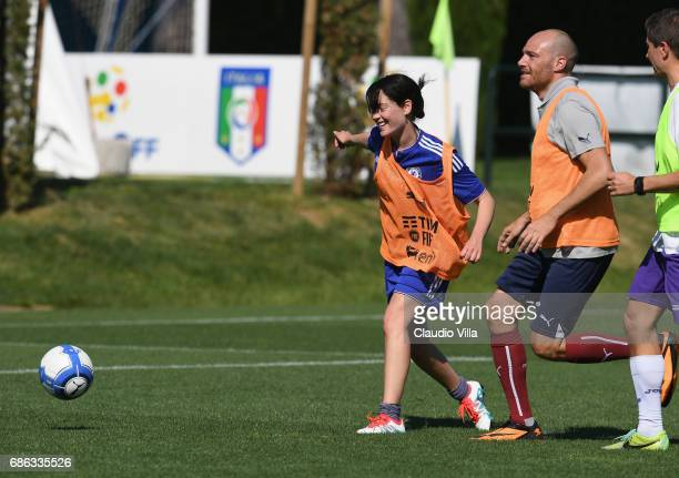 Cristiana Capotondi and Andrea Pezzi smile during a friendly match during the Italian Football Federation Kick Off Seminar on May 21 2017 in Florence...