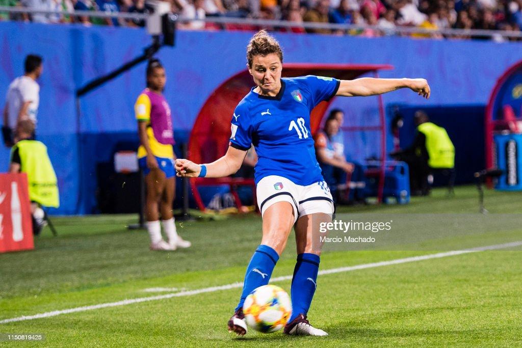 Italy v Brazil: Group C - 2019 FIFA Women's World Cup France : News Photo