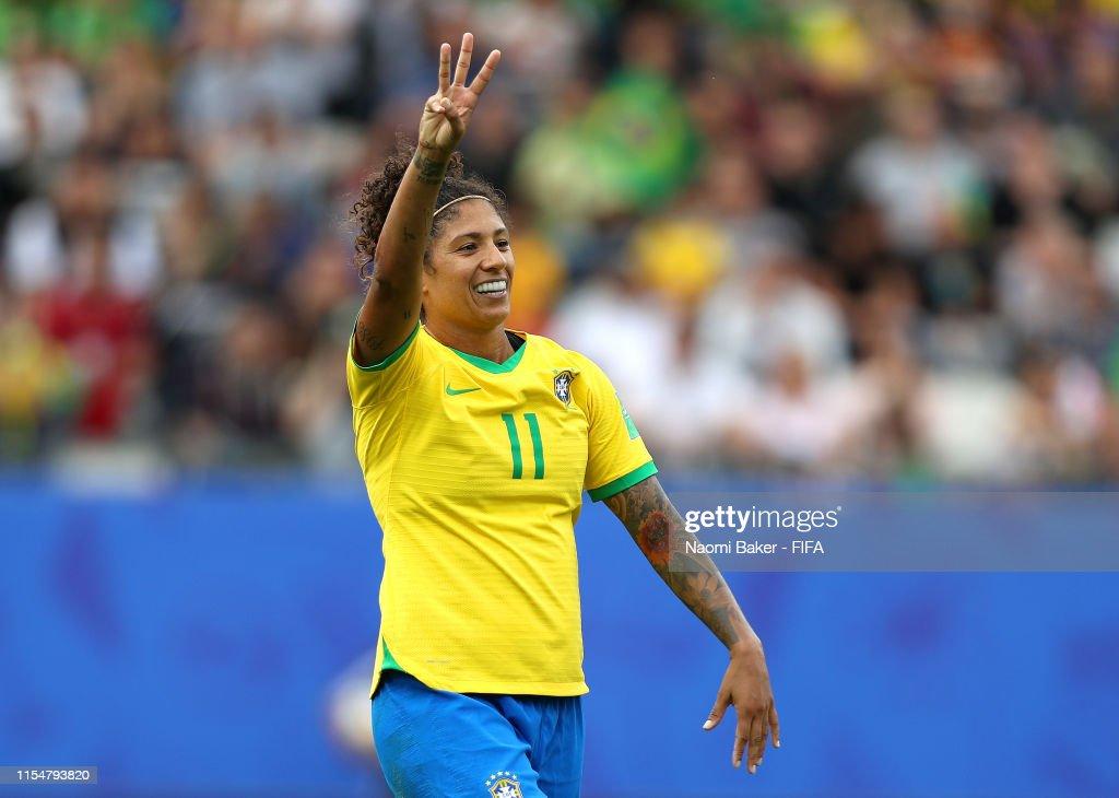 Brazil v Jamaica: Group C - 2019 FIFA Women's World Cup France : Photo d'actualité