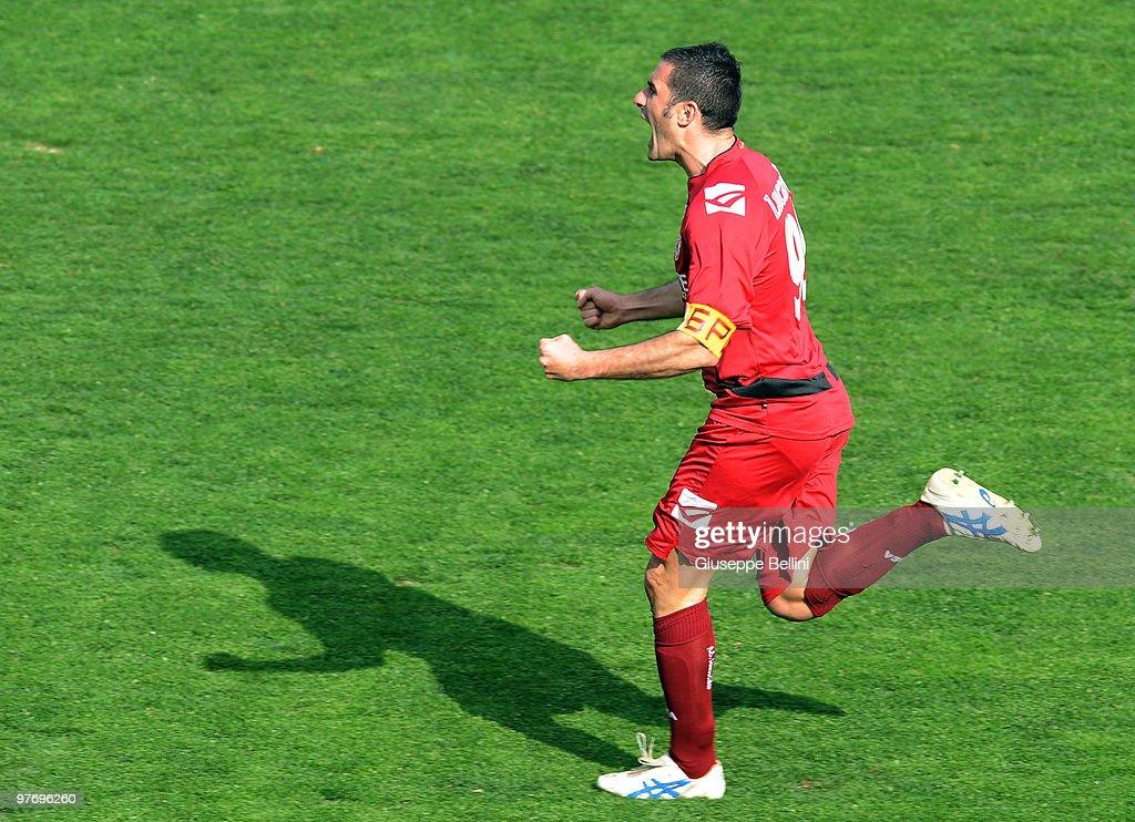 as livorno calcio v as roma serie aの写真およびイメージ ゲッティ