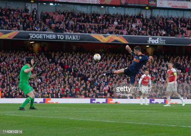 Cristiano Piccini of FC Valencia controls the ball during the UEFA Europa League Semi Final First Leg match between Arsenal and Valencia at Emirates...