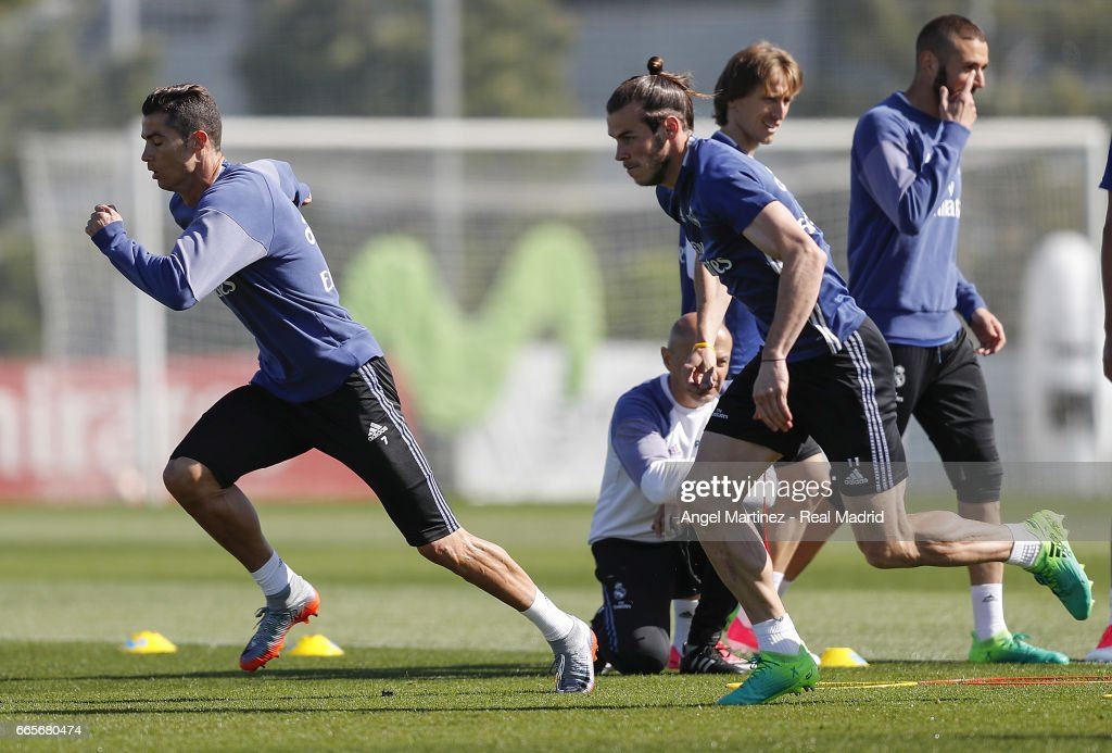 Real Madrid Training and Press Conference : ニュース写真
