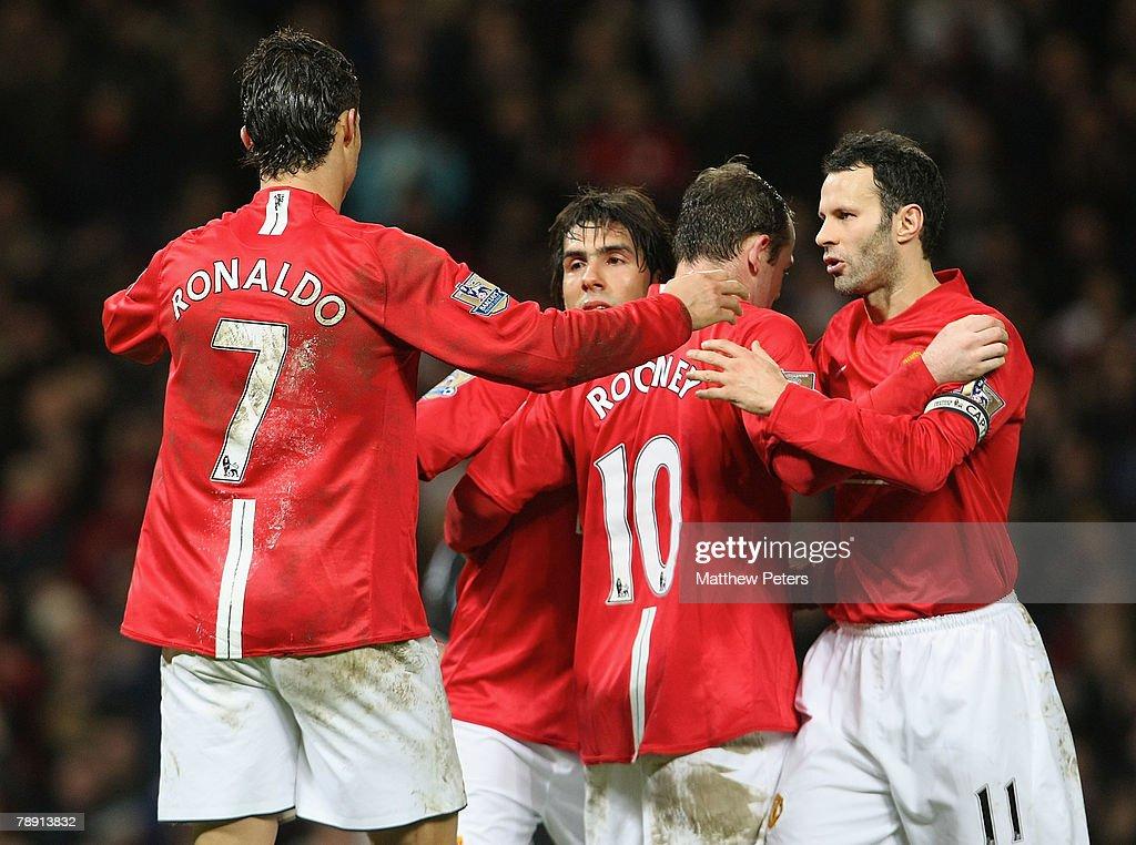 Manchester United v Newcastle United : News Photo