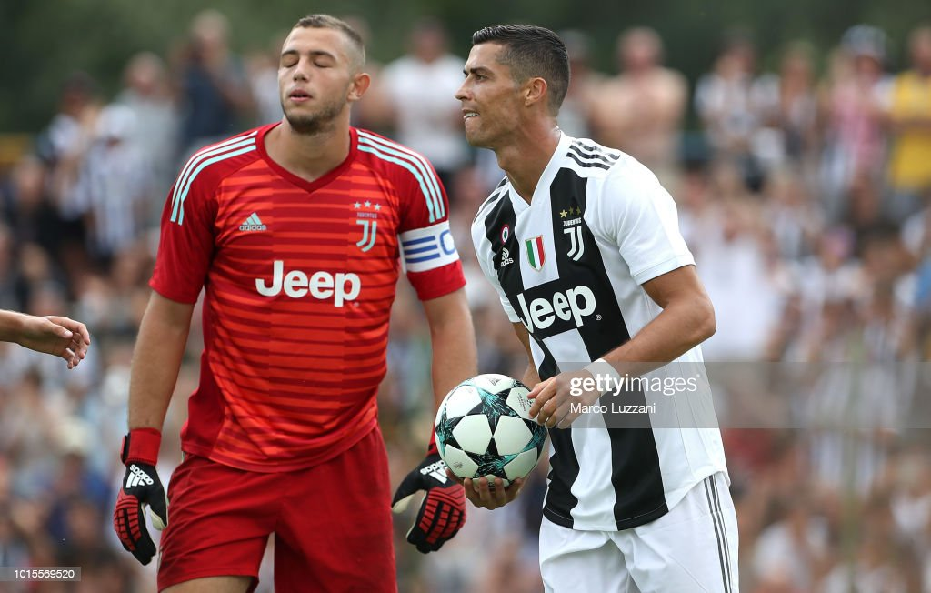 Kits by BK-201 ::NO REQUESTS:: - Page 8 Cristiano-ronaldo-of-juventus-celebrates-after-scoring-the-opening-picture-id1015569520