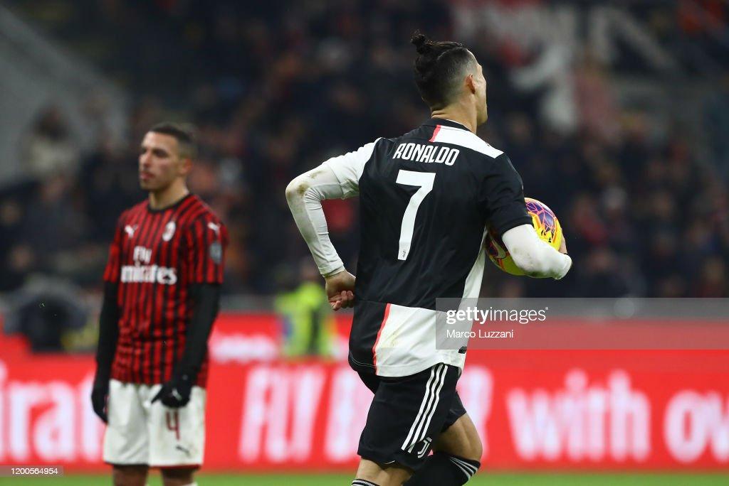 AC Milan v Juventus - Coppa Italia: Semi Final : News Photo