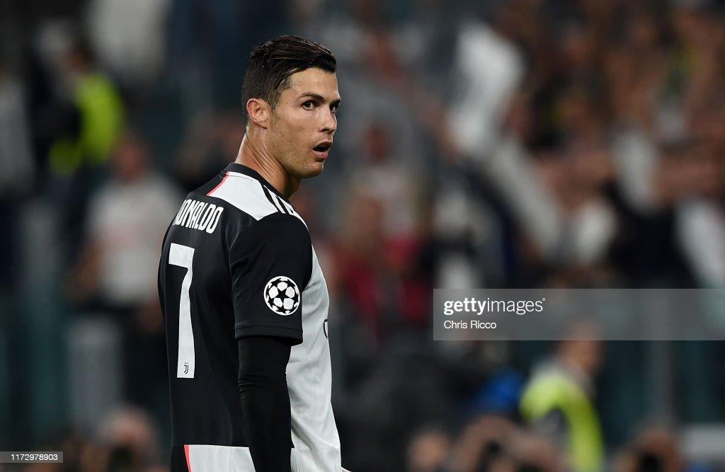 Juventus v Bayer Leverkusen: Group D - UEFA Champions League : Foto jornalística