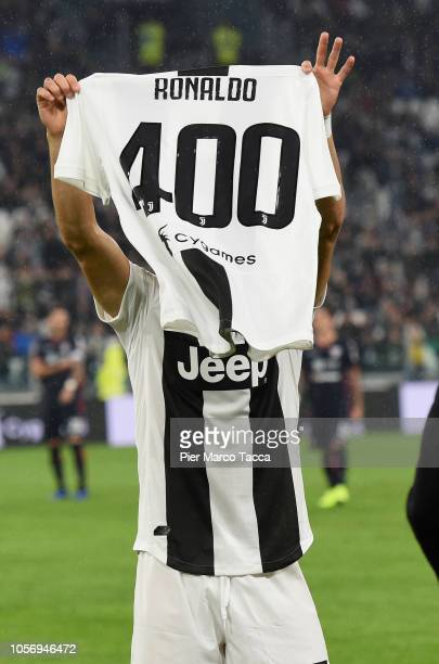 Cristiano Ronaldo of Juventus is awarded for 400 goalsduring the Serie A match between Juventus and Cagliari on November 3 2018 in Turin Italy