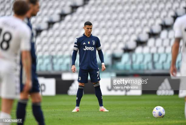 Cristiano Ronaldo of Juventus prepares to take a free kick during the Serie A match between Juventus and Benevento Calcio at Allianz Stadium on March...